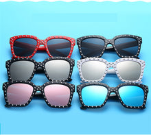 Load image into Gallery viewer, Flowers Frame Mirror Sunglasses