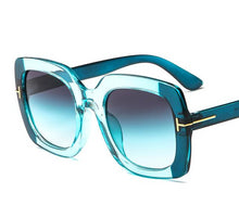 Load image into Gallery viewer, Fashion Famous Rivet Eyewear
