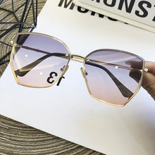 Load image into Gallery viewer, Women's Luxury Sunglasses
