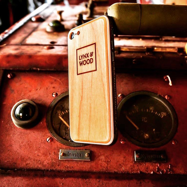 Lynx & Wood Phone Case Mimers Maple – iPhone 11