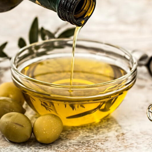 olive oil make up remover