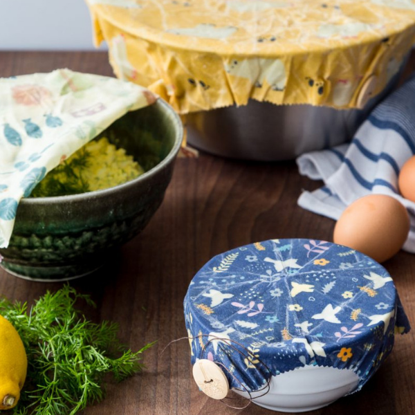Beeswax wraps for leftovers cling film substitute