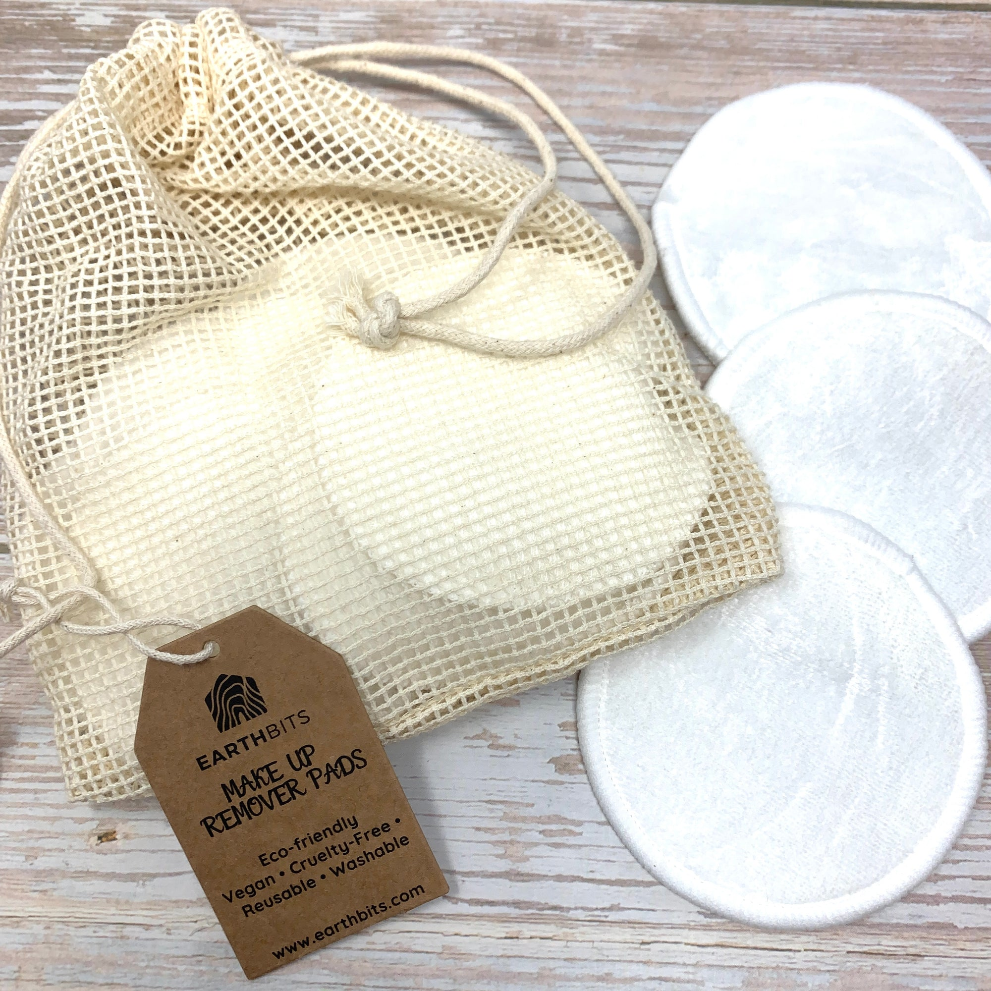 cotton pads with muslin wash bag