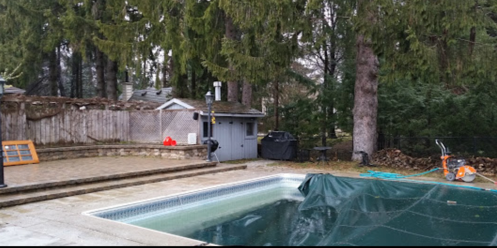 Dave's Backyard Reno - the Old Pool Shed before renovation restoration