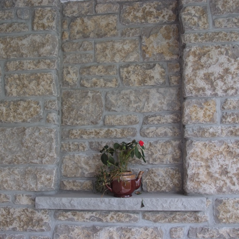 Harvest Gold Limestone Thin Veneer - Sawn Height Tumbled - Corners