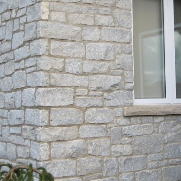 Weatheredge Limestone Ledgerock Thin Veneer - Split Face Sawn Height - Tumbled - Flats