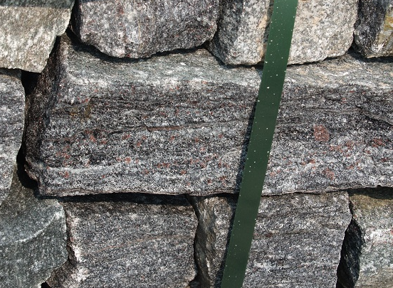 Elite Black Granite Ledgerock Thin Veneer - Corners