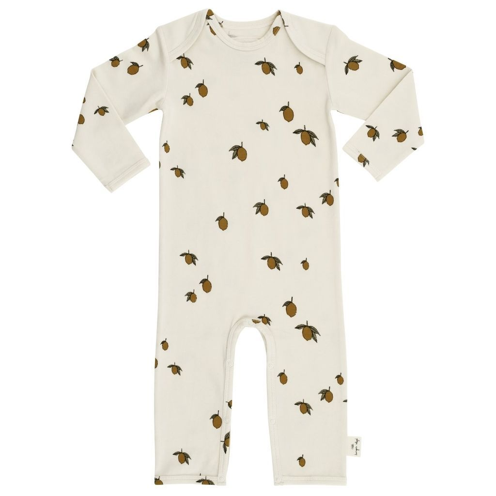 The comfiest lemon print outfit for the little person in your life. This organic cotton lemon print onesie is the ultimate sleep suit for a little one. Beautiful baby essential from Danish design house Konges Slojd. Otis and the Wolf - bringing you Scandi style for little ones