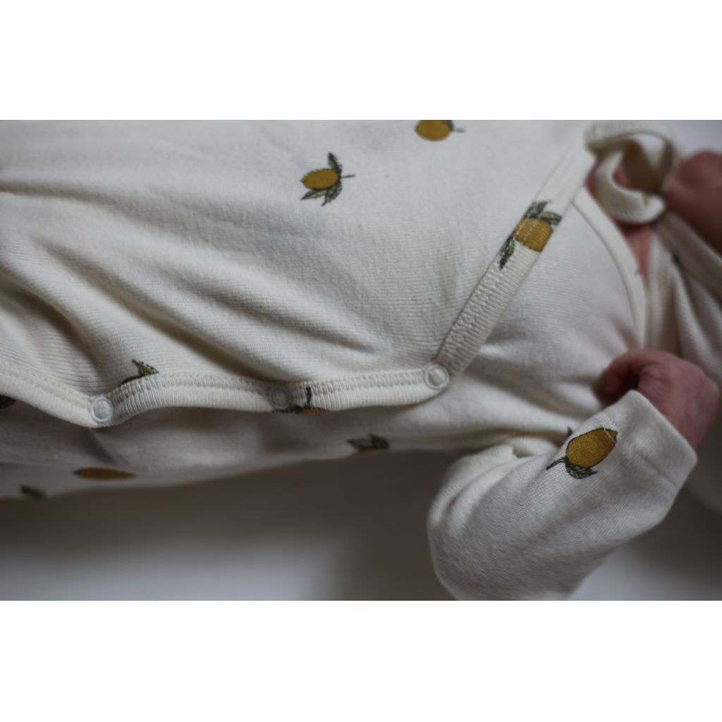 100% organic cotton Onesie from Konges Slojd with lemons. Super-soft, gender neutral sleepsuit with poppers. Otis and the Wolf - bringing you scandi style for little ones