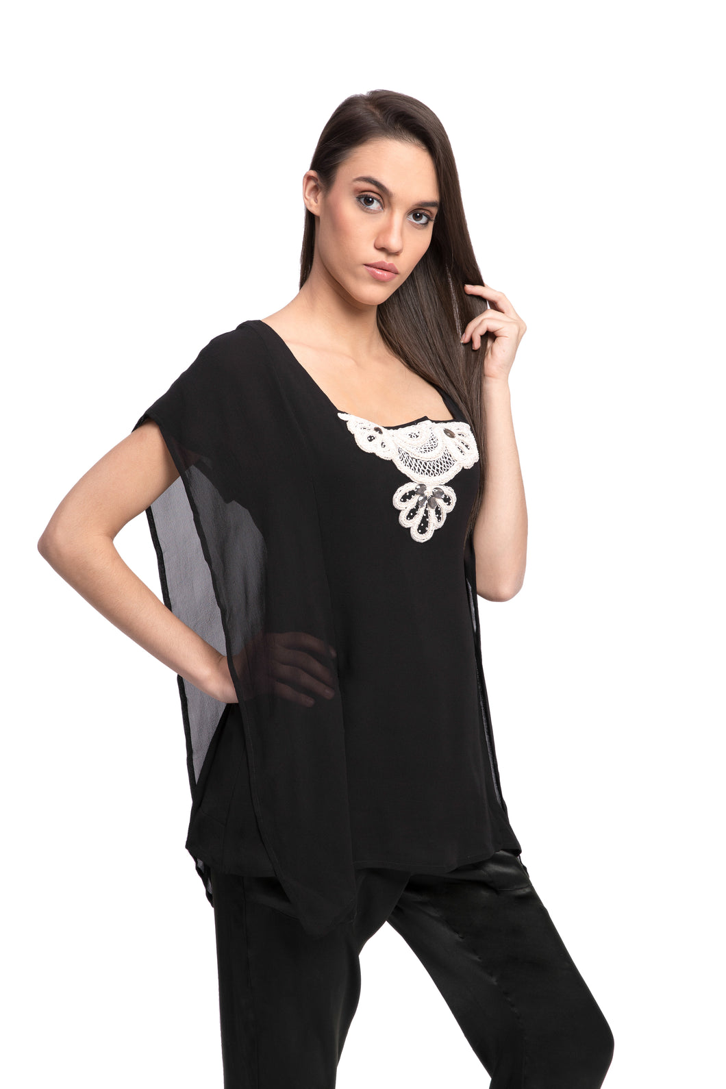 FRANZY Embroidered Top