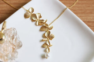 Orchid Flower Pearl Necklace