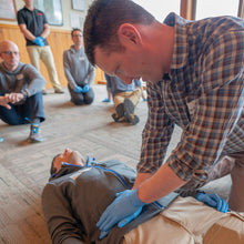 Load image into Gallery viewer, Remote EMT student learns how to perform a abdominal exam