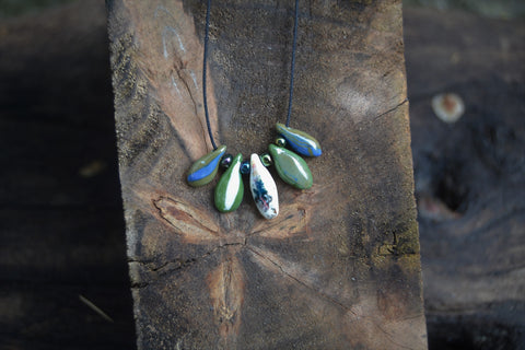 Green porcelain drops necklace
