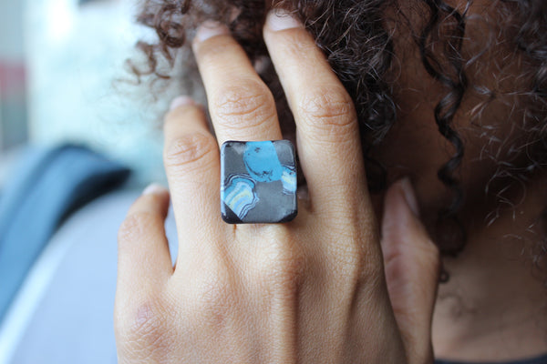 square black and blue porcelain ring