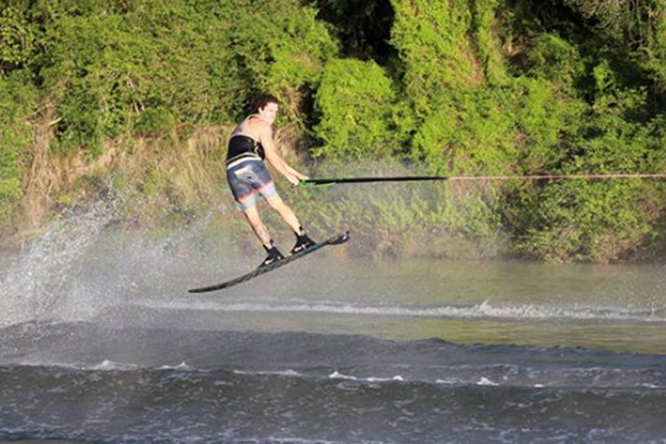 PLAY ON YOUR SLALOM SKI!