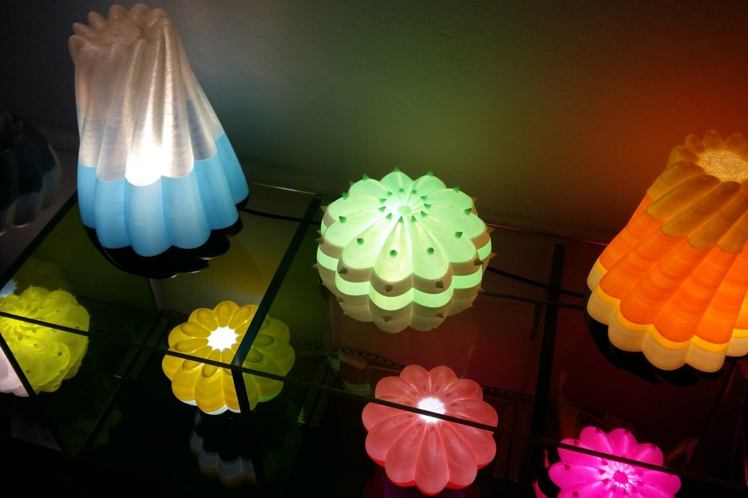 3D Printer Making Lamps and Lanterns Creates the Beauty of Creativity-02