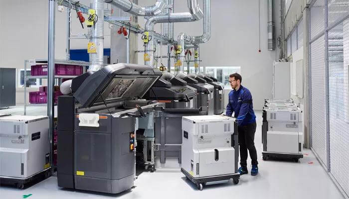 BMW Has Opened A New Additive Manufacturing Center to Produce Prototypes and Parts-10