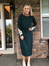 Load image into Gallery viewer, Dark green long sleeve dress