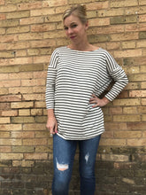Load image into Gallery viewer, Black and white stripe tunic