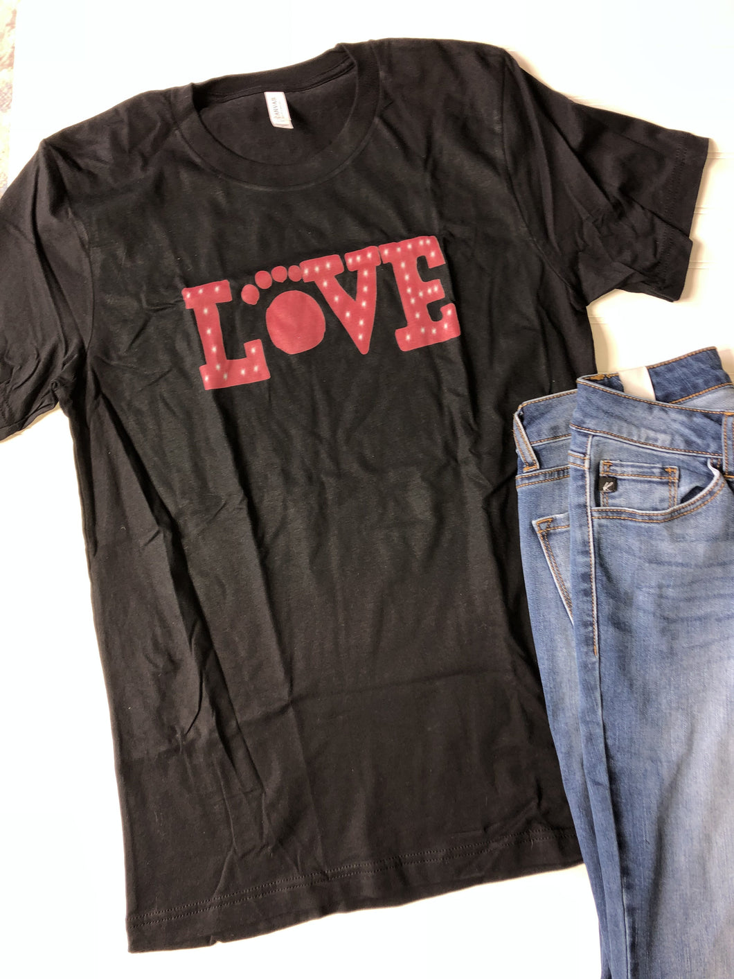 Paw print LOVE  graphic tee