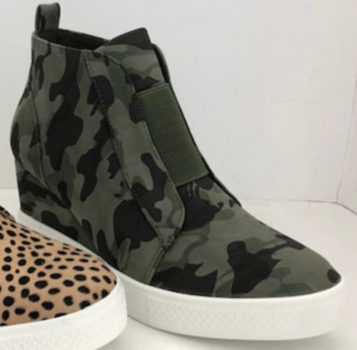 PreSale Camo wedge Sneakers