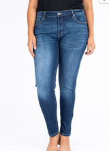 Load image into Gallery viewer, Non Distressed Medium Wash KanCan Jean