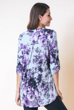 Load image into Gallery viewer, Lavender Blooms 3/4 Sleeve Top