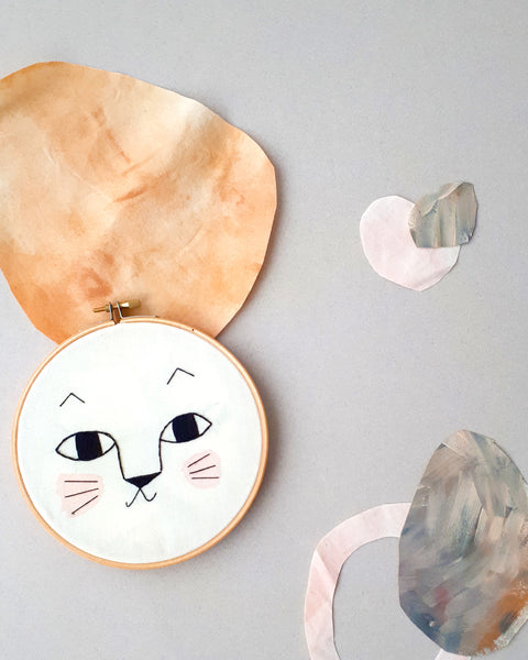 "Embroidery Hoop ""Gato"""