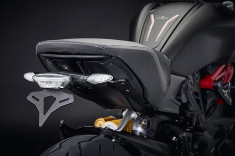 products/Evotech-2019-Ducati-Diavel1260S-Tail-Tidy-L1010785_large_4d7d9d7a-bf8a-4a50-9b5e-c75b80ebd55f.jpg