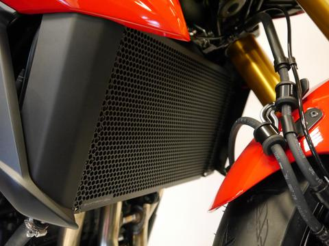 Evotech Performance Radiator Guard for Suzuki GSX-S750