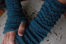 Load image into Gallery viewer, Fagin Wrist Warmers