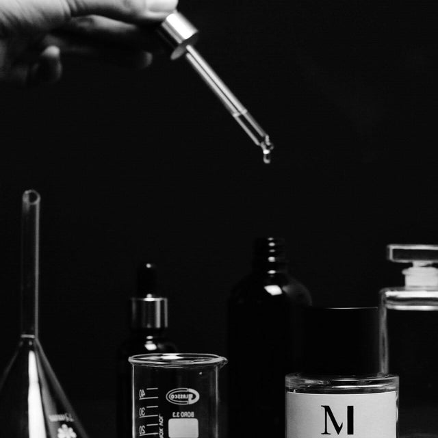 DESIGN YOUR OWN PERFUME WORKSHOP 10ML BOTTLE
