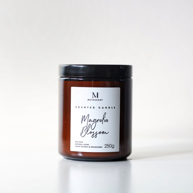 MAGNOLIA BLOSSOM SCENTED CANDLE