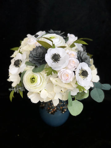 Early Spring wedding bouquet