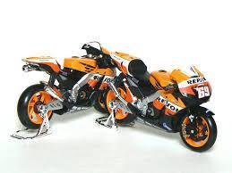 Model Bike 1:18 Maisto #69 Nicky Hayden Repsol Honda