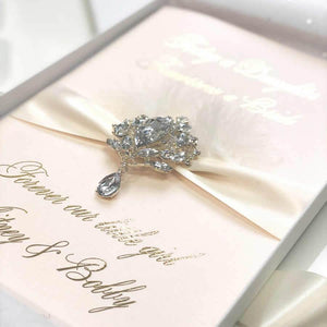 exquisite Luxury wedding Card - theluxeco.co.uk