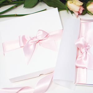 Gift Boxed Swarovski Crystal valentines day Card | The Luxe Co