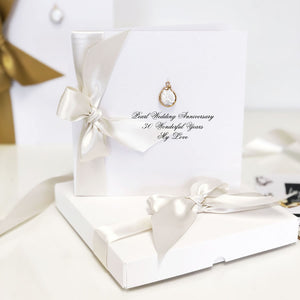 Natural Pearl Boxed Card