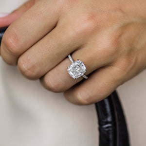 The Diora Ring (4.65 Carat)