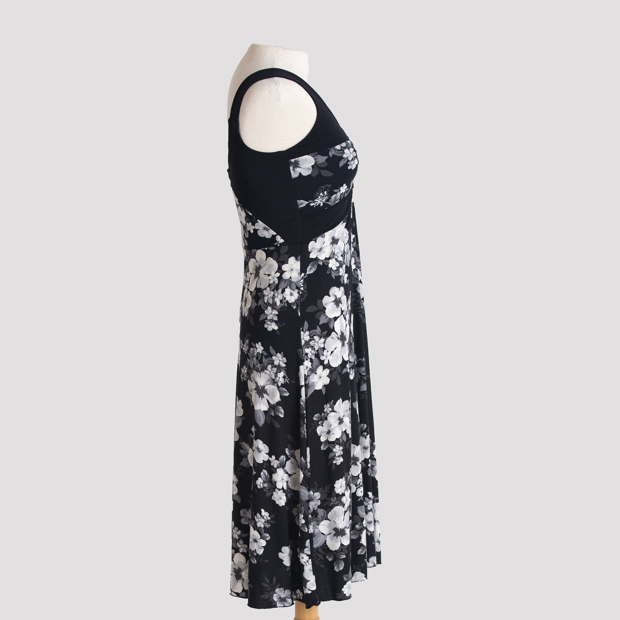 Ailana Dress in Black Hibiscus