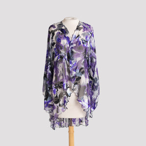 Kimono in Indigo, Black, and White Floral Devore