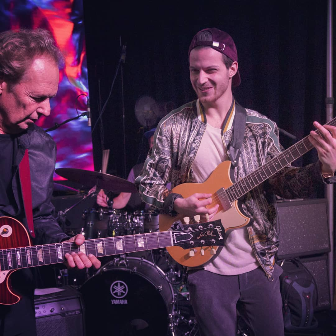 Kaspar Jalily playing with Lee Ritenour NAMM 2019