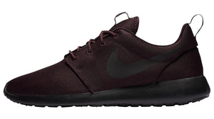 Mens Nike Roshe Run Running Shoe In Black