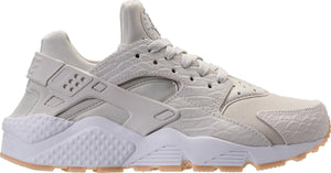 Womens Nike Air Huarache Run Se  Sneaker In Light Bone Gum Yellow-White