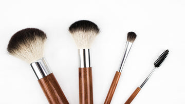 Clean Your Makeup Brushes The Natural Way With Soap Nuts!