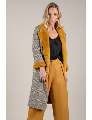 Abrigo Cuadros Molly - Cloe Boutique