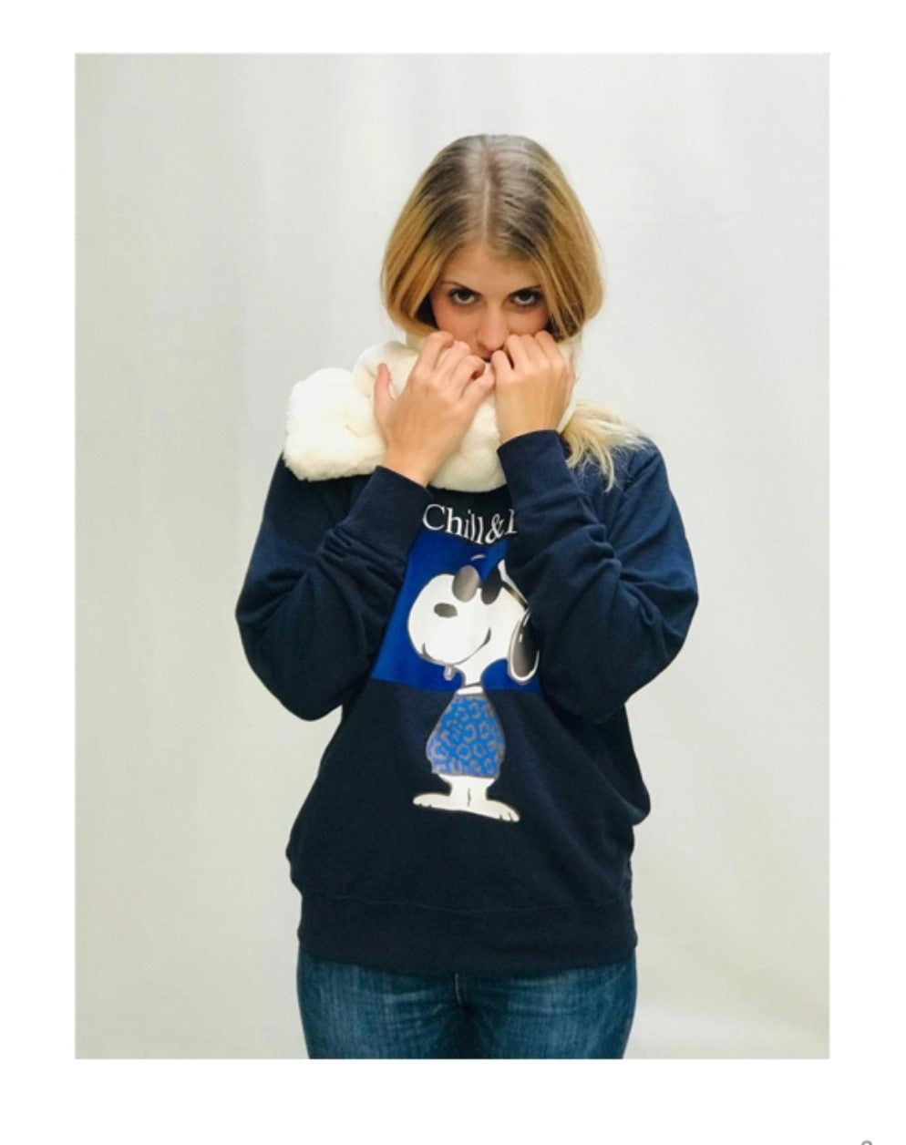 Sudadera Snoopy Chill & Buy - Cloe Boutique