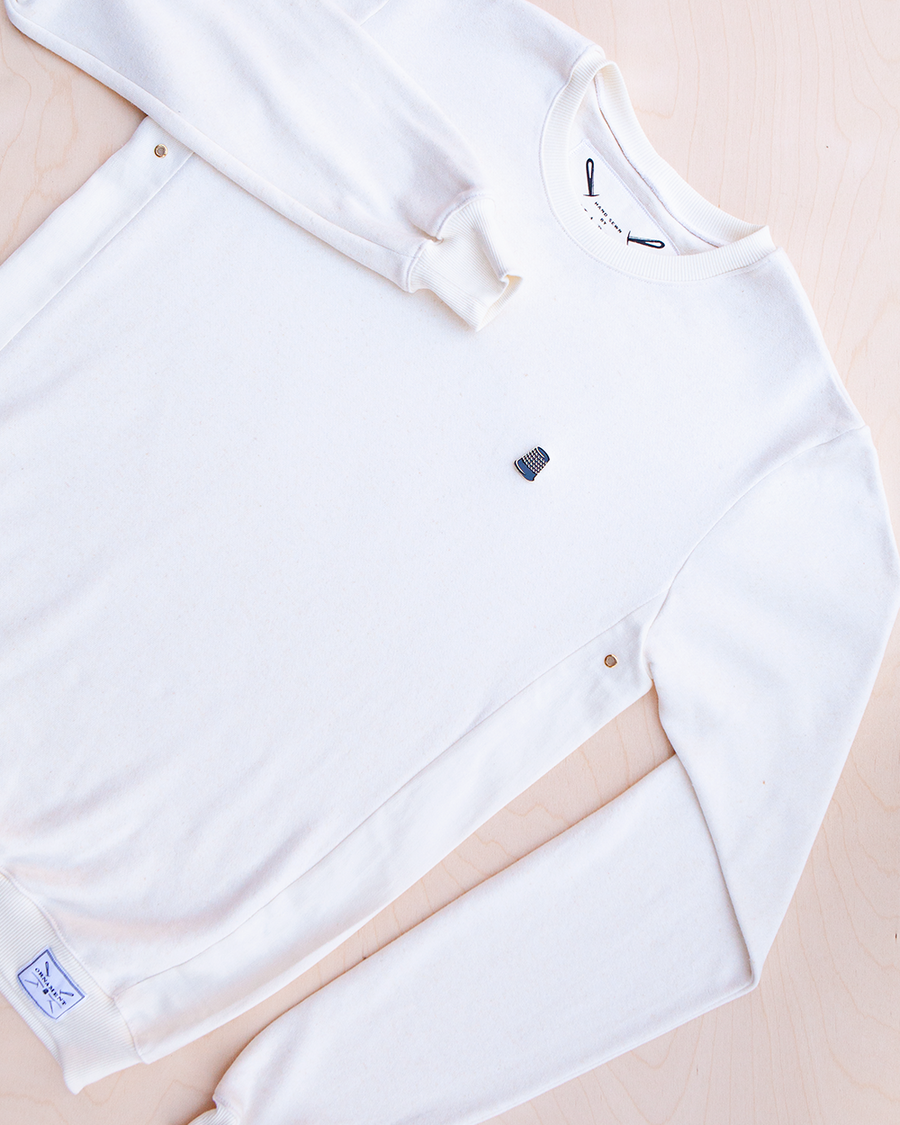 Blanco hemp and bamboo sweater in natural color with removable metal thimble pin_ Packshot