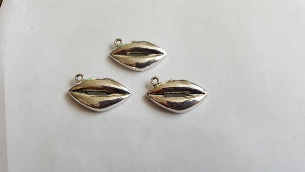 Antique Silver Lips Charms