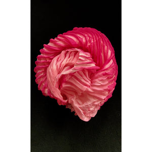 Dynamic Pink/White Twisted Object